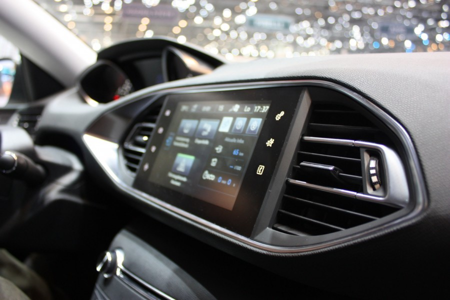 Peugeot's new 'i-Cockpit' interior with central touch screen